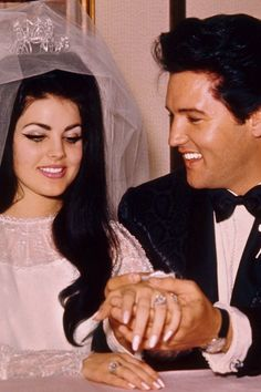 ELVIS AND PRISCILLA WEDDING DAY, MAY 1,1967.