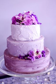 15 Radiant Orchid Wedding Details: ombre purple cake | Photo: Hayley Holness