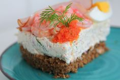 "Midsummers egg and shrimp with caviar and herbs ""cheesecake"" Easter Recipes, Summer Recipes, Easter Food, My Favorite Food, Favorite Recipes, Scandinavian Food, Salty Foods, Sandwich Cake, Swedish Recipes"
