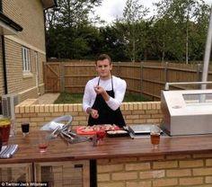 Wilshere Pesta BBQ Setelah Dicoret Timnas Inggris?