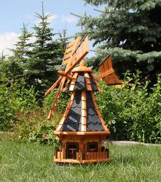 Kleine Windmühle für die Gartengestaltung.