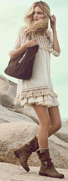 Flirty modern hippie tunic top with boho chic fringe for a complete gypsy allure. For the best BOHEMIAN fashion style FOLLOW https://www.pinterest.com/happygolicky/the-best-boho-chic-fashion-bohemian-jewelry-gypsy-/ now #freespirit #wanderlust