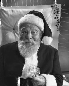 """""""Miracle On 34th Street - Edmund Gwenn As Kris Kringle This is the version with Natalie Wood as the little girl."""