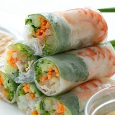 This shrimp spring roll recipe provides a really tasty meal choice which includes fresh vegetables and shrimp as well as a flavorful dipping sauce.. Shrimp Spring Rolls Recipe from Grandmothers Kitchen. Shrimp Recipes, Sea Food Salad Recipes, Appetizer Recipes, Vietnamese Salad Rolls, Vietnamese Rice Paper Rolls, Vietnamese Summer Rolls, Vietnamese Food, Vietnamese Restaurant, Shrimp Rolls