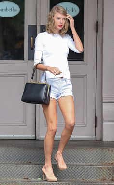 Simple Sophistication: Taylor Swift's Street Style