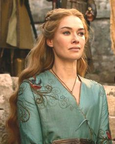 Cersei Lannister in teal dress played by Lena Headey in GoT Game of Thrones Cersei Lannister, Daenerys Targaryen, Game Of Thrones Costumes, Hbo Game Of Thrones, Valar Morghulis, Queen Cersei, Got Characters, Cinema Tv, Films