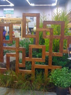 This artistic trellis from the 2011 Portland Yard & Garden Show doesn't provide full privacy but it's interesting Garden Shrubs, Garden Trellis, Garden Gates, Wood Trellis, Porch Trellis, Plant Trellis, Decorative Garden Fencing, Diy Garden Fence, Diy Trellis