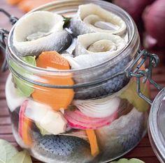 Hering marinat - Retete culinare - Romanesti si din Bucataria internationala