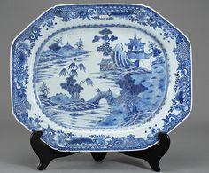 Travessa em porcelana Chinesa de Cia das Indias do sec.18th, 47cm, 1,910 USD / 1,700 EUROS / 7,665 REAIS / 12,170 CHINESE YUAN soulcariocantiques.tictail.com