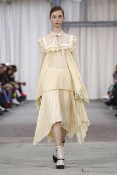 Veronique Branquinho Ready To Wear Spring Summer 2017 Paris