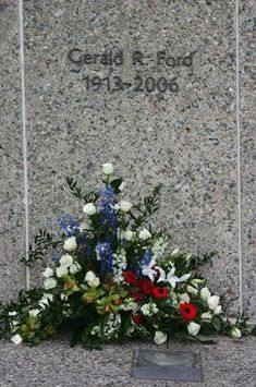 Gerald Rudolph Ford - United States President, United States Vice President, US Congressman. Cemetery Monuments, Cemetery Headstones, Old Cemeteries, Cemetery Art, Graveyards, Famous Tombstones, Famous Graves, American Presidents, Grave Memorials