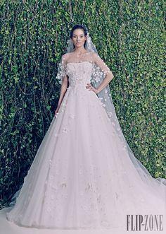 Zuhair Murad Sonbahar-Kış 2014-2015 - Gelinlik - http://tr.flip-zone.com/fashion/bridal/the-bride/zuhair-murad-4387