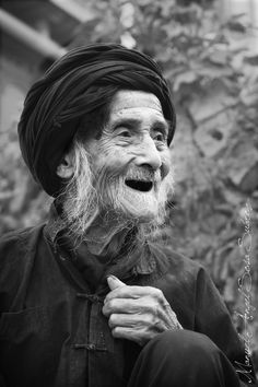 """The smile of the old man"" by Angel Sosa. S)"