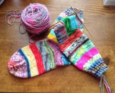 """Finishing a pair of """"Kathi's Krazy Socks"""" for my 87 year old mom! Crochet Socks, Knit Crochet, Diy Crafts, Mom, Sewing, Knitting, Dressmaking, Couture, Tricot"""