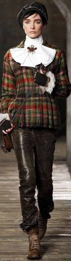 44 Best Timeless Tartan Outfit to Try Chanel Outfit, Chanel Fashion, Coco Chanel, Tweed, 19th Century Fashion, Lesage, French Fashion Designers, Glen Plaid, Tartan Plaid