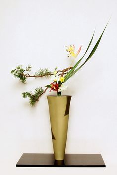 Ikebana ikenobo rikka shimputai by Lusy Wahyudi. Indonesia lusywahyudi.com