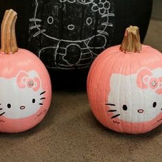 Pink Hello Kitty Pumpkins | http://crazyhalloweenideasdovie.blogspot.com