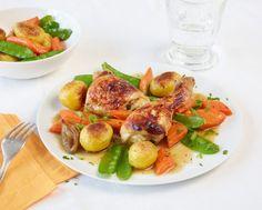 Zuckerschoten, Möhren und Kartoffeln brutzeln würzig mit dem Hähnchen um die Wette.