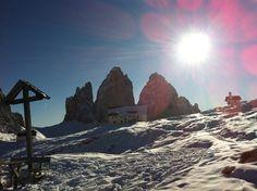 Three Peaks winter landscape. Drei Zinnen im Winter. Tre Cime di Lavaredo d'inverno.