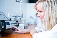 Reactivos y material de laboratorio para química analítica. Parte 2: Electroquímica