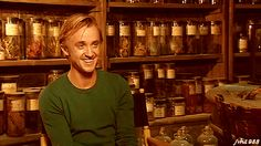 OK you guys, here it is: proof that Harry Potter is the gift that keeps on giving forever, and that I'll never be over it. Tom Felton is a huge Harry Potter fan, the kind that keeps the fandom alive even though it has been years since he played Harry