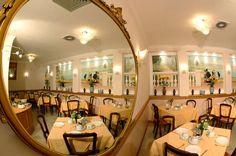 la Sala Colazione apre alle ore 06.30 e chiude alle ore 09.30 Per i piu' dormiglioni la domenica rimane aperta mezz'ora in piu' Sandra