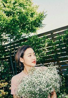봄날의 만개(滿開), 김고은 이미지 2