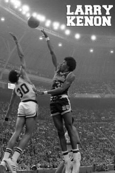 We will be retiring Larry Kenon's jersey this Saturday during the Louisville game! #TBT #GoTigersGo Baylor Basketball, Louisville Basketball, Indoor Basketball Court, Basketball Goals, Basketball Legends, Basketball Players, Memphis Tigers, Basketball Photography