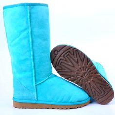 what!?!?!?!?!?!? BLUE UGGS? ARE YOU KIDDING ME!?!(: