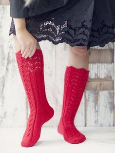 Novita wool socks, Womans long lace socks made with Novita 7 Brothers yarn - Super knitting Lace Socks, Wool Socks, My Socks, Knitting Socks, Hand Knitting, Knitting Patterns, Knitting Videos, Knitting Accessories, Diy Clothes