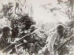 japanese navy landing forces | Japanese special naval landing force soldiers preparing an ambush ...