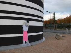 A artista francês Claire , criou um conjunto de cartazes no estilo street art com casais se beijando em posições não poderia ser mais sexy. ...