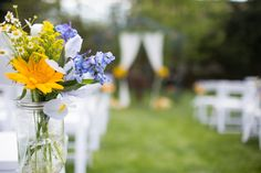 Cape May Florist - A Garden Party florist - Southern Mansion - Alison Dunn Photography - sunflowers- summer wedding - wildflower wedding - mason jars - blue wedding flowers - yellow wedding flowers