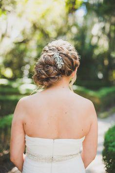 Gorgeous wedding hairstyle / Alyona Photography