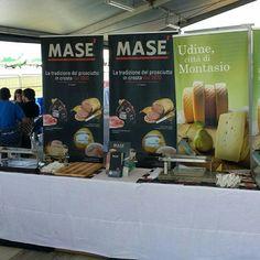 #FrecceTricolori. Airshow delle Frecce Tricolori a #Rivolto.  Masé c'è!   Visita il nostro sito www.cottomase.it!  #cottomase #cottotrieste #slowfood #streetfood #gamberorosso #tradizione e #gusto #cracco #bastianich #giallozafferano #foodporn #Expo2015 #Milano #food #eat #eating #italian #italy #ham #made #in #trieste #cotto #quality #masterchef #chef
