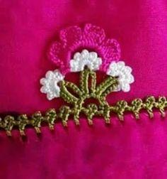 Crochet Borders, Filet Crochet, Crochet Stitches, Knit Crochet, Crochet Patterns, Saree Kuchu Designs, Crochet Home Decor, Knitted Shawls, Knitting Socks
