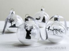 45 Easy DIY Dollar Store Christmas Decorations For The Budget .- 45 Easy DIY Dollar Store Weihnachtsdekorationen für das Budget – Hause Dekore 45 Easy DIY Dollar Store Christmas Decorations For The Budget - Clear Christmas Ornaments, Clear Glass Ornaments, Noel Christmas, Christmas Bulbs, Christmas Decorations, White Christmas, Snow Ornaments, Glass Christmas Balls, Painted Ornaments