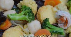 Blog Diah Didi berisi resep masakan praktis yang mudah dipraktekkan di rumah. Vegan Food, Vegan Recipes, Cooking Recipes, Diah Didi Kitchen, Indonesian Food, Broccoli, Food And Drink, Chinese, Vegetables