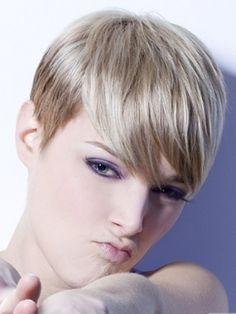 http://unique-hairstyles.net/wp-content/uploads/2011/03/Funky-pixie-hairstyles03.jpg