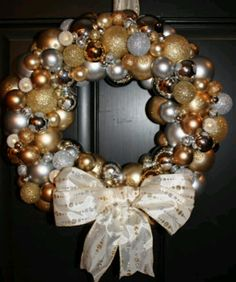Front Door Wreath--Would switch to this for a New Years Eve Party!!!!