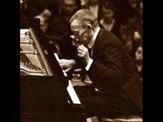 Chopin's Nocturne Op. 9 No. 2 played by Rachmaninoff  One of my favorite pieces ~ I love it <3
