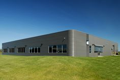 Steel building system by BEHLEN Industries LP. Visit cssbi.ca to learn more.
