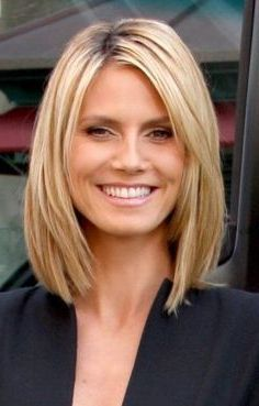 Hairstyles for women with middle length in their 40 Cropped cutie