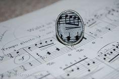Sheet music ring