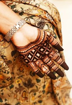Pick a design and leave it on our Mehendi Expert. Latest Henna Designs, Indian Henna Designs, Finger Henna Designs, Mehndi Designs For Girls, Henna Art Designs, Mehndi Designs For Fingers, Stylish Mehndi Designs, Wedding Mehndi Designs, Beautiful Mehndi Design