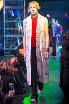 Raf Simons Fall 2015 Menswear Fashion Show