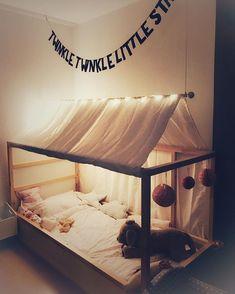 Neues Bett für unser #grossesmädchen #neuesbett #kinderzimmer #diy #ikeakura #ikea #sternchenhausbett #twinkletwinklelittlestar #nelewirdgrosseschwester #childrensroom #hausbett