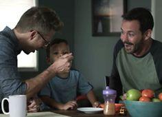 Campbell muestra a dos papas en su más reciente comercial de TV