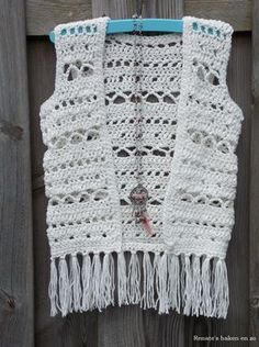 Ibiza-style vestje (met link naar gratis patroon) / Ibiza-style cardigan (with link to free pattern) Crochet Vest Pattern, Crochet Coat, Crochet Jacket, Crochet Cardigan, Diy Crochet, Crochet Shawl, Crochet Clothes, Crochet Patterns, Free Pattern