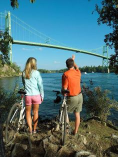 Cycling along the Thousand Islands National Park makes for an enjoyable day or overnight trip in the very scenic Thousand Islands. Total distance in one direction is a touch less than 40 kilometres, and almost the entire route can be done on a paved multi-use path. http://gobiking.ca/1000-islands/